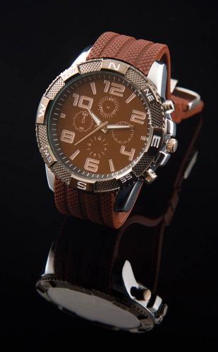 Heren sport horloge. bruin