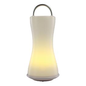 Duurzame led tafellantaarn met draagbeugel / 50 uur licht op 3x AA waterproof